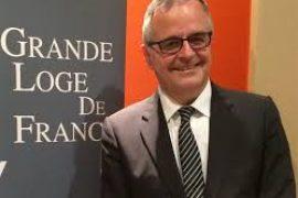 Tenue d été 2016 de la GLDF avec Jean Michel Dardour