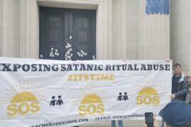 MANIFESTATION DU COLLECTIF «ABUS DES RITUELS SATANIQUES» DEVANT FREEMASONS' HALL